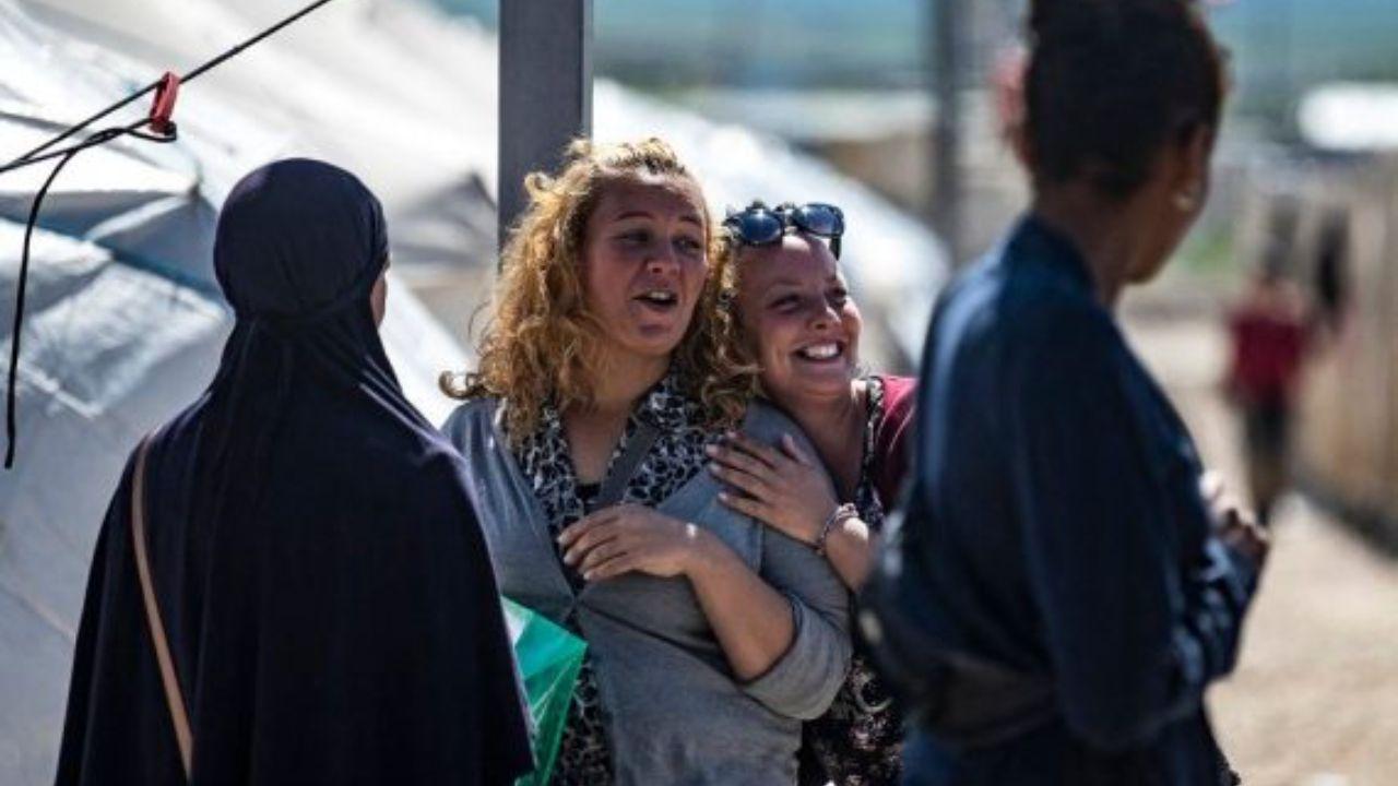 خطرناکترین زنان داعش یکی پس از دیگری کشف حجاب میکنند