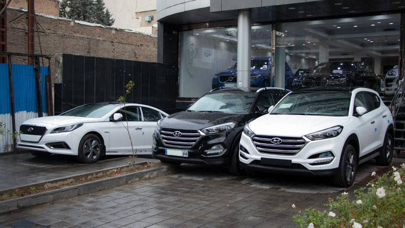 کاهش اندک قیمت خودرو در بازار 18 فروردین