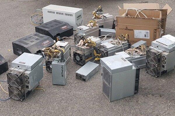 کشف ۳ دستگاه استخراج ارز دیجیتال در بیرجند