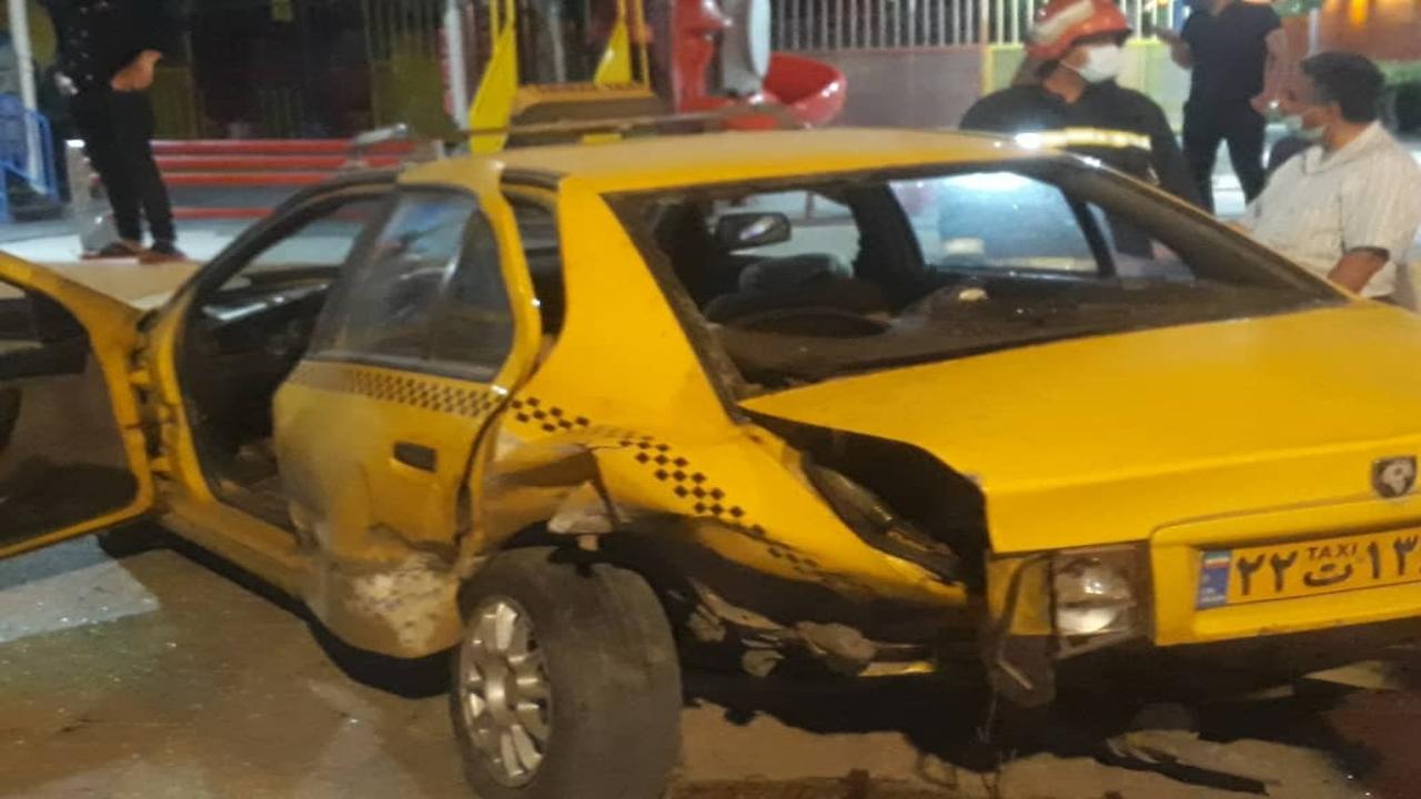 ۴ مصدوم بر اثر تصادف ۲ خودروی پژو در شیراز