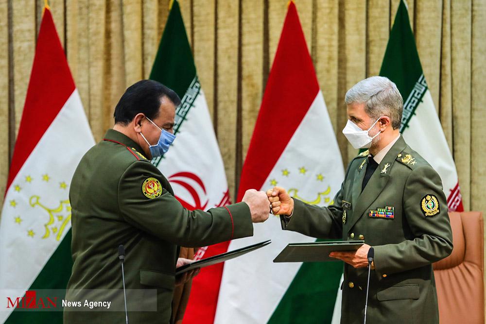 عکس/ دومین دوره مذاکرات دو جانبه میان وزرای دفاع ایران و جمهوری تاجیکستان