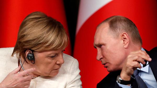 گفتوگوی تلفنی پوتین و مرکل با محوریت تحولات در اوکراین