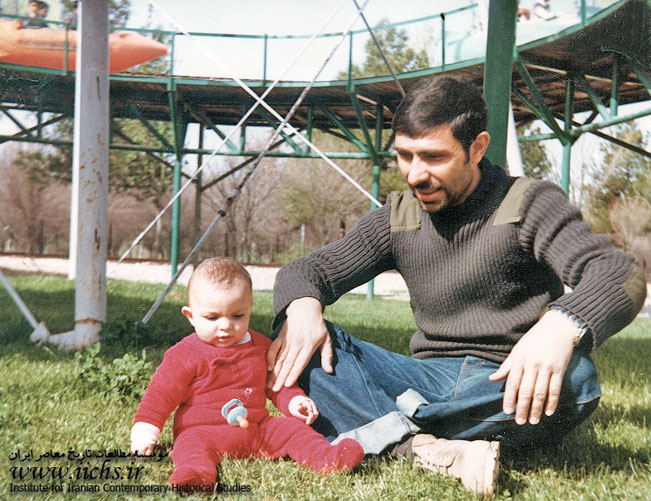 عکس/ شهید صیاد شیرازی در قامت یک پدر