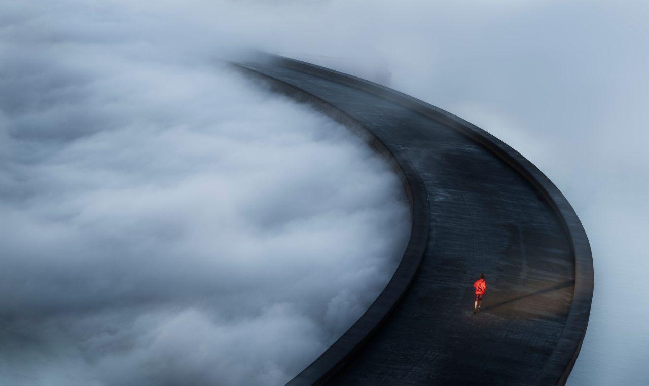 دویدن در میان ابرها