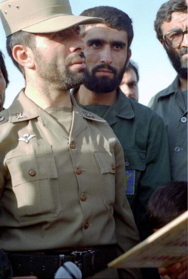 عکس/ سپهبد شهید صیاد شیرازی و سردار حاجی زاده در جوانی
