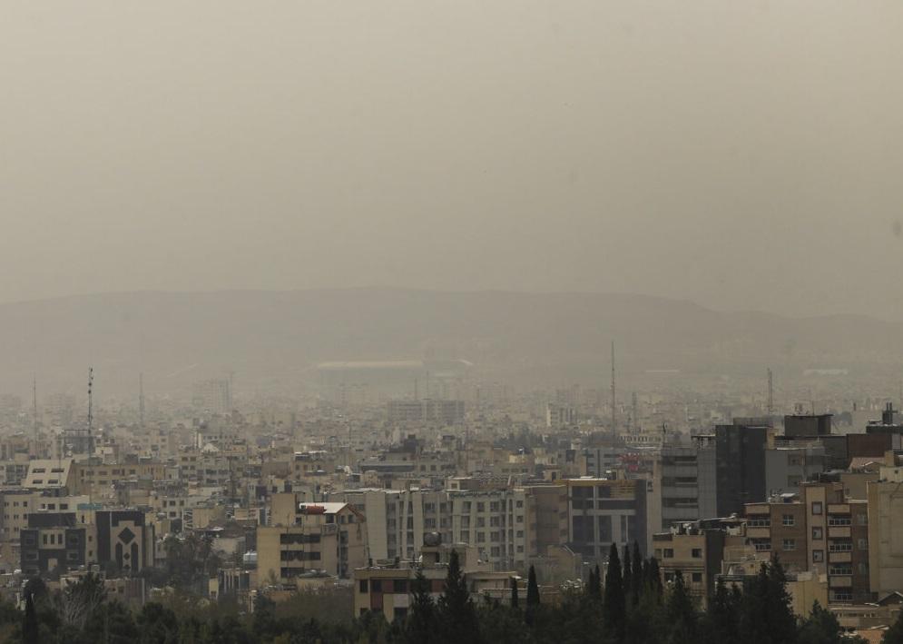 هوای ۳ شهر صنعتی مرکزی همچنان ناسالم است