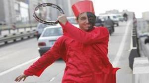 شهرداری نقاب حاجی فیروز را برداشت