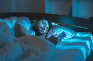 در برابر خوابیدن مقاومت میکنید؟ این راهحل را بخوانید
