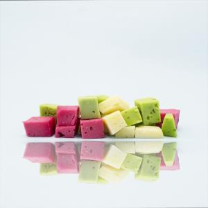 روش عالی برای تهیه پنیر رنگی خانگی با مواد طبیعی