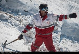 ۲ فرد مفقود شده در ارتفاعات بادرود به آغوش خانواده بازگشتند