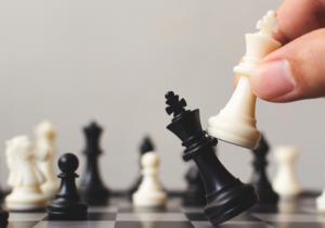 شیطان، حریف روح انسان در بازی شطرنج دنیا