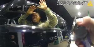 شکایت نظامی سیاهپوست آمریکایی از رفتار وحشیانه پلیس