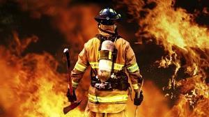 آتشنشانان برای نجات مادر و کودک آبادانی دل به آتش زدند
