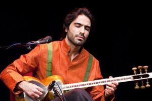 موزیک ویدئوی «فانوس صحرایی» اثری از علی قمصری