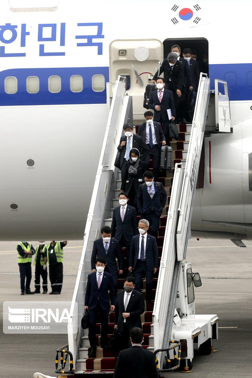 عکس/ صف دیپلمات های کره جنوبی در تهران