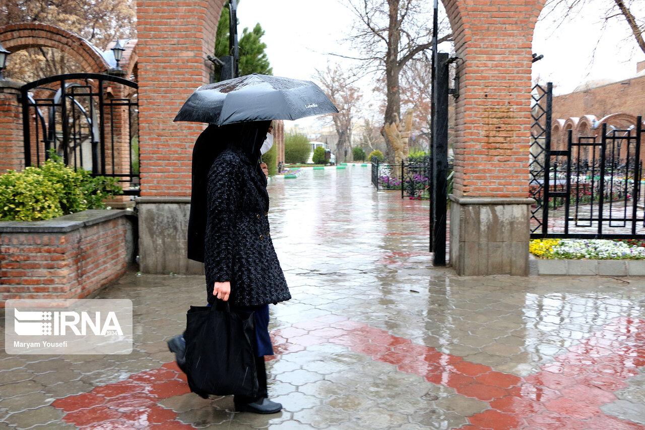 رگبار باران و وزش باد پدیده غالب در آذربایجانغربی است