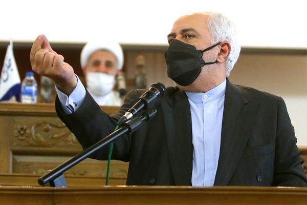 عکس/ سخنرانی ظریف در نشست کمیسیون امنبت ملی مجلس