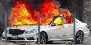 آتش گرفتن راننده مینی بوس بعد از آتش گرفتن خودرو!