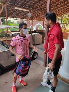 شجاع در اردوی پرسپولیس با پیراهن قرمز!