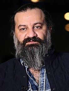 چهره ها/ کنایه های مهراب قاسم خانی به وزیر بهداشت