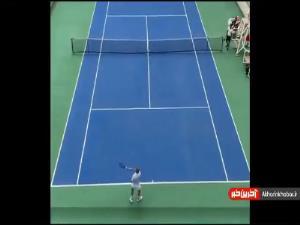 ضربه دیدنی علی کریمی در یک مسابقه تنیس