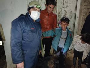 کودک گمشده زنجانی با تلاش امدادگران به آغوش خانواده بازگشت