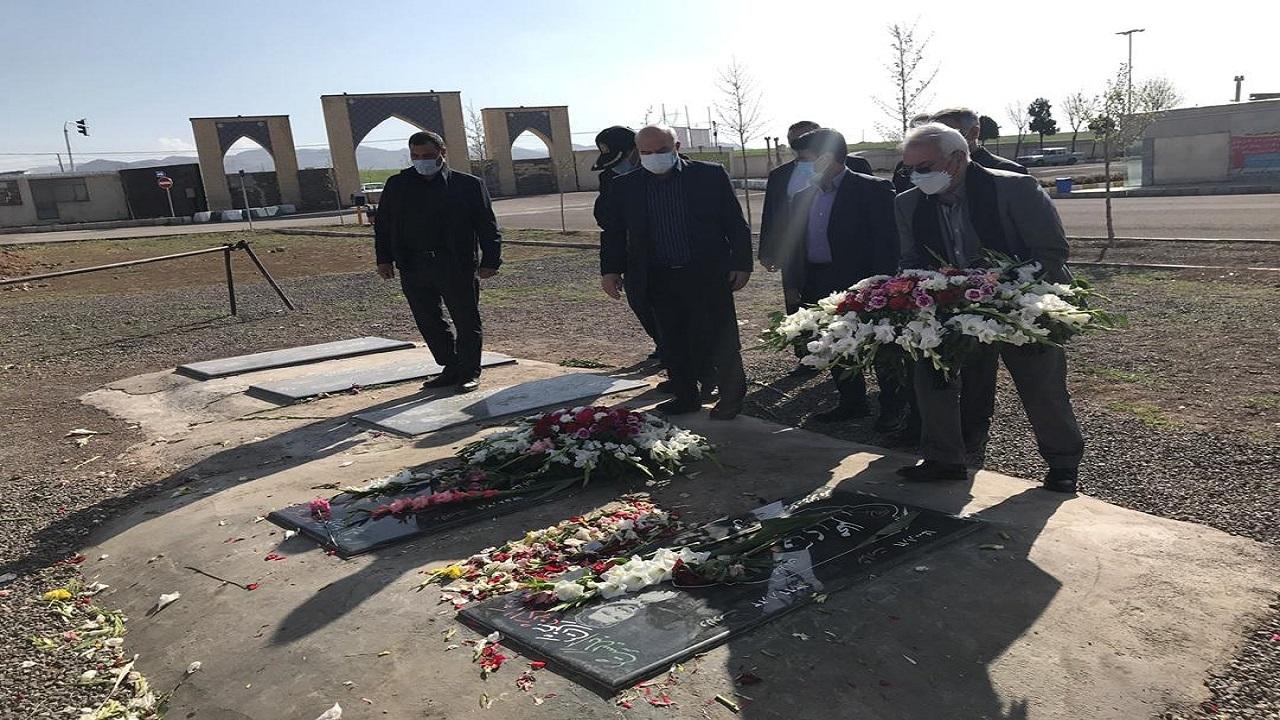 ادای احترام رئیس سازمان محیطزیست به مقام ۲ محیطبان زنجانی