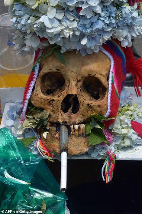 عکس/ جشن روز جمجمه برای قدردانی از مردگان در بولیوی! (+۱۸)