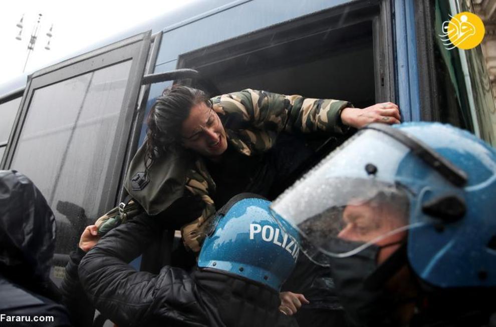 عکس/ درگیری صاحبان مشاغل آسیب دیده با پلیس ایتالیا
