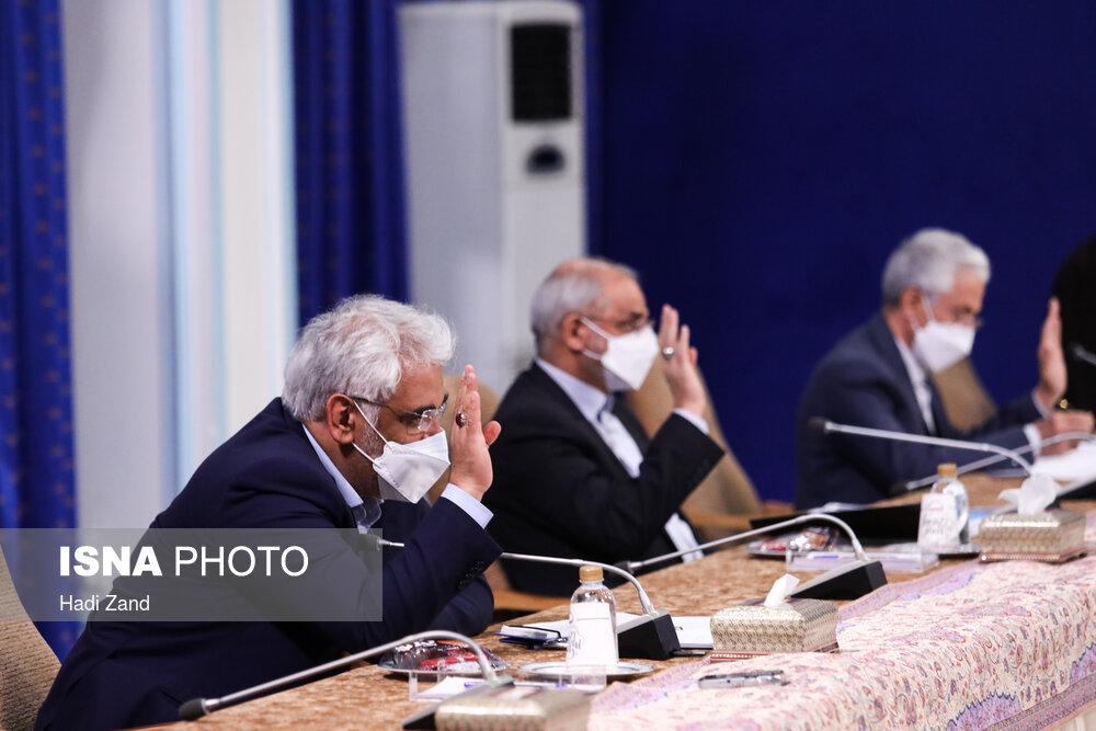 حاشیه های جلسه شورای عالی انقلاب فرهنگی