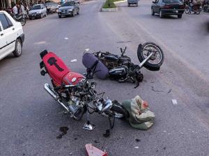 تصادف شدید و وحشتناک ماشین با دو موتورسوار