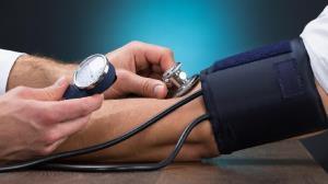 ترفندهایی برای کنترل فشار خون بالا در ایام روزهداری