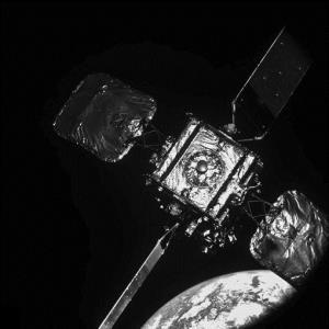 اتصال با ماهواره برای افزایش طول عمر آن!