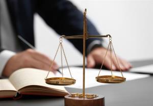 نگرانی ۱۸۰۰۰ وکیل میلیاردر از قانون جدید!