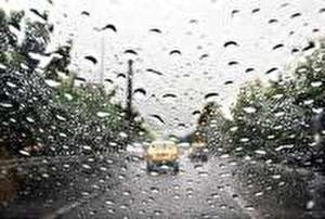 دردسر دو عابر در روز بارانی!