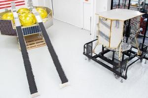 اسپیس ایکس ماه نورد یخ یاب ناسا را به ماه میبرد