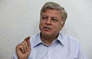 فیاض زاهد: سیدحسن «خمینی دوران نوفل لوشاتو» را زنده کند
