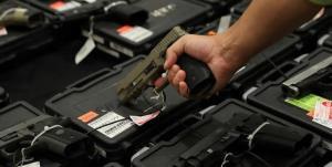 حمایت اغلب آمریکاییها از قوانین سختگیرانهتر مالکیت سلاح