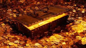 مرد هندی پس از پیدا کردن ظرف سفالی پر از طلا دچار جنون آنی شد!
