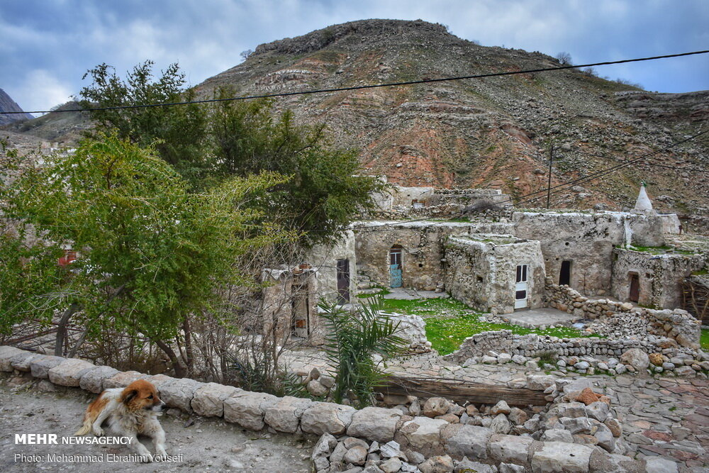 روستای لیوس با خانههای سنگی