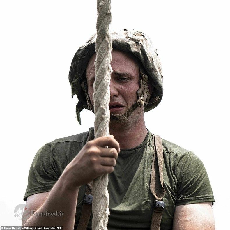 اشک نظامی آمریکایی از سختی تمرین ها