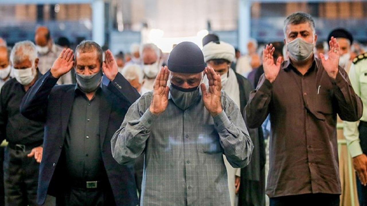تشکیل صفوف نماز جماعت در اندیمشک زیر سایه بهداشت