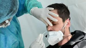 دانشگاه علوم پزشکی: اگر علائم کرونا دارید نیازی به آزمایش نیست مبتلا هستید