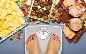 دلایل بروز اختلال پرخوری در زنان