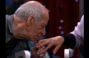 حرکت عاشقانه زنده یاد قاضی مرادی برای همسرش در تلویزیون
