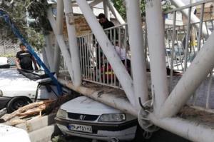 سقوط پل هوایی در جاده ساوه ورودی سبزدشت