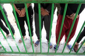 ۱۰ متهم به گوشی قاپی در مشهد دستگیر شدند