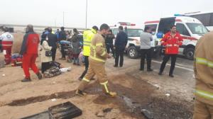 تصادف خونین کامیون و پیکان در ازنا ۵ کشته و یک زخمی برجای گذاشت