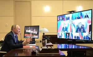 گفت و گوی پوتین با شورای امنیت روسیه برای پاسخ به تحریمهای آمریکا
