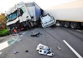 تصادف شدید کامیون وقتی ترمز می برد